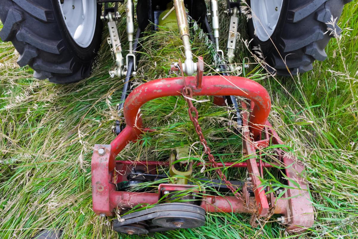 Как сделать самодельные косилки для тракторов 172
